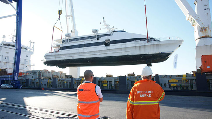 Mega Yacht Transport